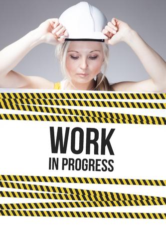 mujer trabajadora: El trabajo en curso signo en el cartel de la informaci�n y de la mujer trabajadora