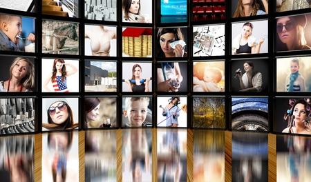 黒の背景にテレビ画面 写真素材 - 29732672