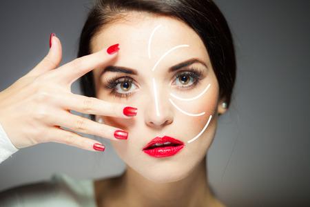 Beauty Gesicht Konzept, Anti-Aging-Verfahren auf die Gesichtshaut Standard-Bild - 36442719