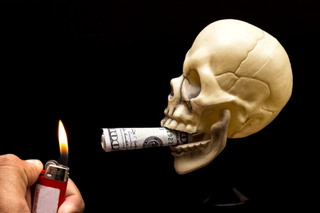 Burning your Money 版權商用圖片