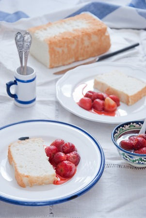 Angel Food Cake with Strawberry