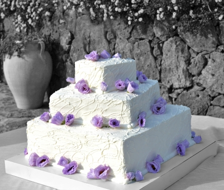 Wedding cake with roses photo