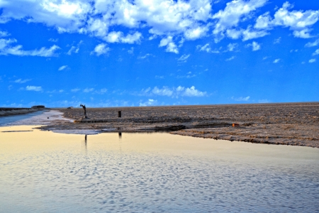 bordering: Chott el-Jerid, Tunisia s salt lake bordering the Sahara desert Stock Photo