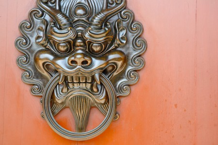 lion door knob photo