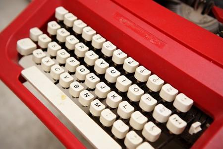typer: old typewriter