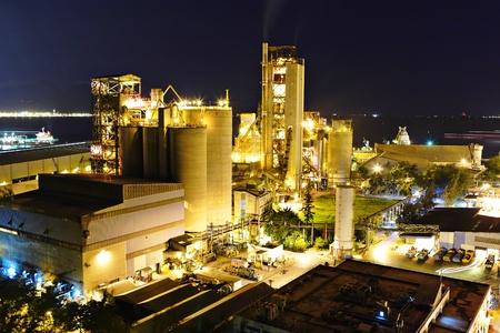 bedrijfshal: cementfabriek Stockfoto