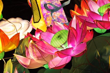 traditional festivals: Faroles de Loto para mediados festival de oto�o Foto de archivo