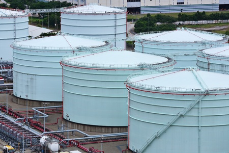 oil storage tank photo