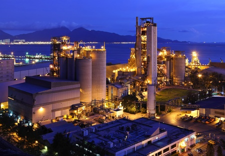 to plant structure: cement factory at night