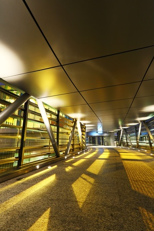 flyover: moderne viaduct 's nachts Stockfoto