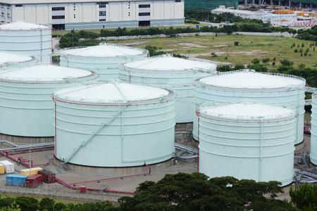tanque de combustible: dep�sito de gasolina