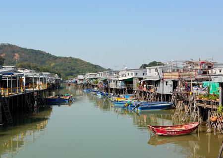 fishing village: Tai O fishing village in Hong Kong