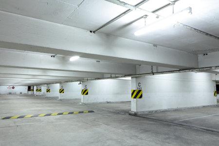 PKW-Parkplatz Editorial