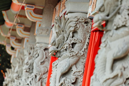 chinese dragon statue in temple Stock Photo - 11926665