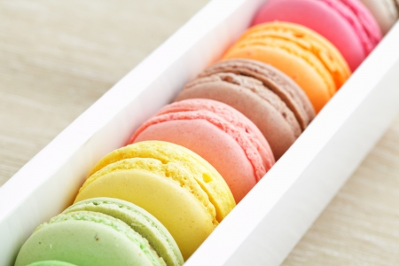 macaroon in paper box Stock Photo - 13753401