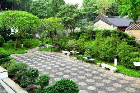 asian gardening: chinese garden Stock Photo