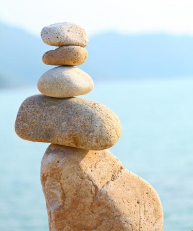boulder rock: Balance rocks