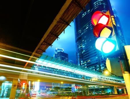 Verkeers licht in de stad  Stockfoto