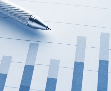 fluctuate: Bar chart with pen  Stock Photo