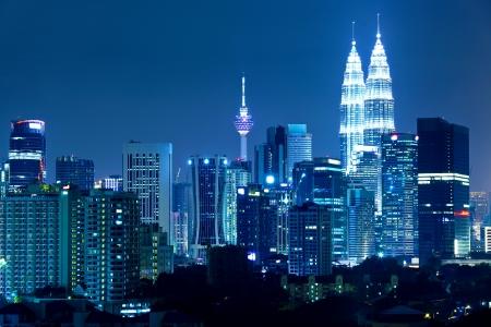 밤 쿠알라 룸푸르 스카이 라인 스톡 콘텐츠