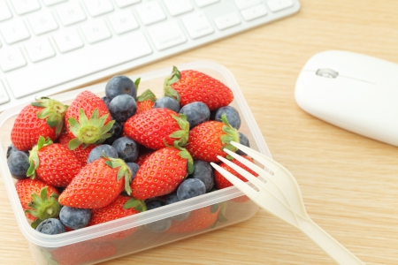 lunch hour: Berry mix lunch box at office