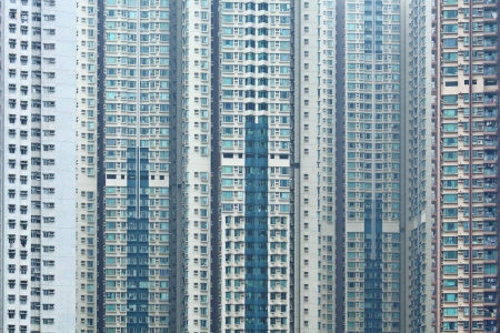 overpopulated: Overpopulated building in city