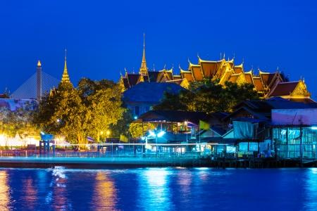 bangkok temple: Bangkok temple at night