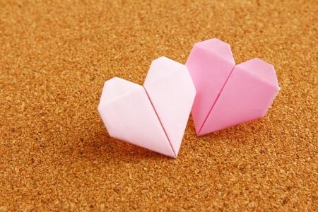 Origami kleurrijke hart op prikbord Stockfoto - 23525299