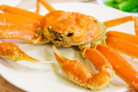 kine: Steamed Alaska King Crab Stock Photo