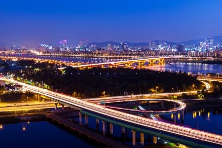 schlagbaum: Autobahn in der Stadt Seoul Lizenzfreie Bilder