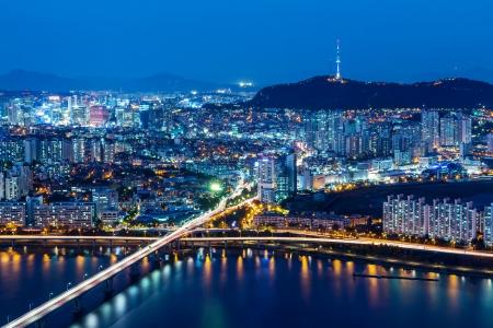 schlagbaum: Seoul Skyline von Spitzen