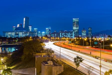 schlagbaum: Seoul Stadt mit Verkehrs Spur Lizenzfreie Bilder