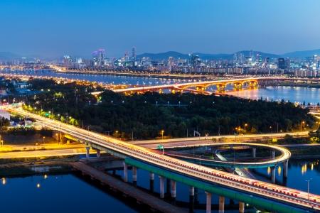 schlagbaum: Seoul Skyline bei Nacht