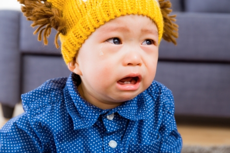 lamentation: Neonato asiatico che piange