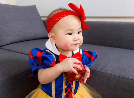 Baby-Kostüm Mit Erdbeer Lizenzfreie Fotos, Bilder Und Stock ...