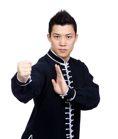 Junge chinesische Kung-Fu-Kämpfer