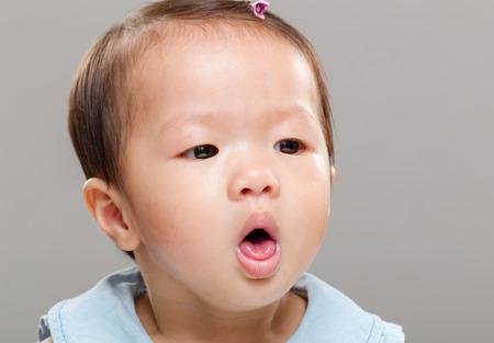 persona malata: Neonata tosse Archivio Fotografico