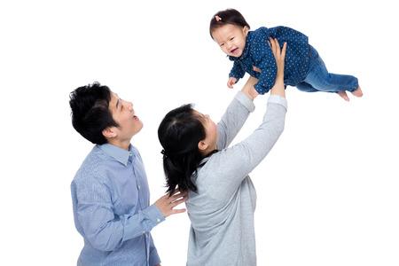 copule: Asia familia feliz con el beb� vomite