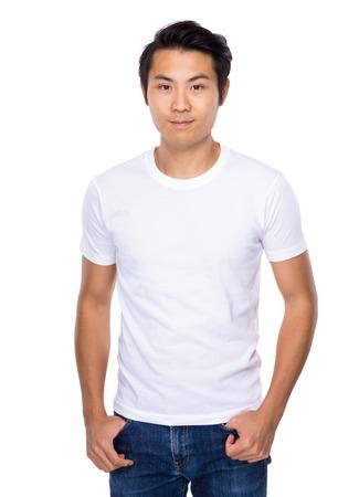 ropa casual: Hombre joven asiática