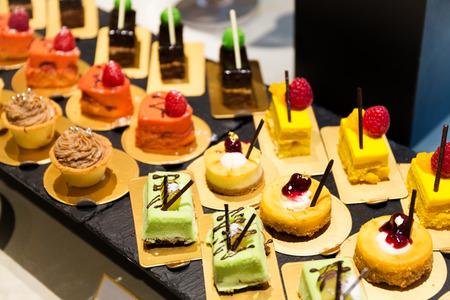 Desserts in het restaurant Stockfoto