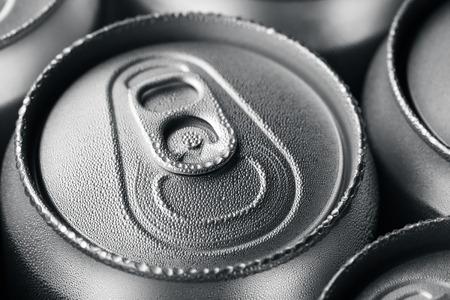 aluminium: Wet aluminium can with drink