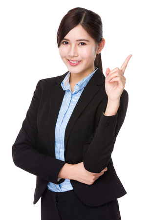 Jeune femme d'affaires avec le doigt point vers le haut Banque d'images - 42629645