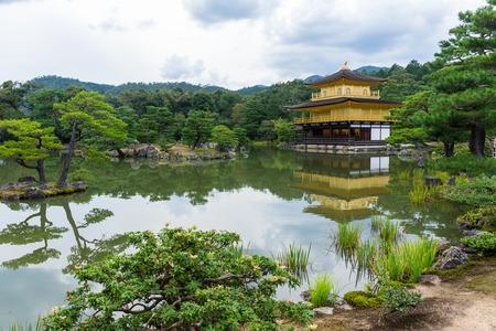 sien: Templo Kinkakuji Foto de archivo