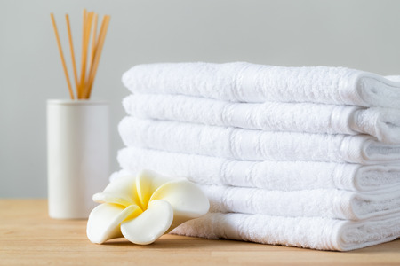 white towel: Aromatic spa with home diffuser and white towel