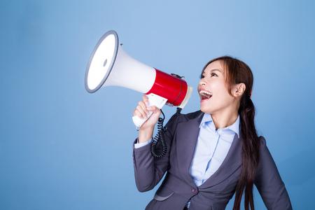 megafono: Empresaria anuncio de la toma con el megáfono