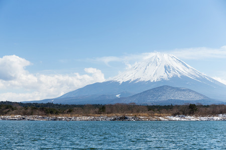 fujisan: Lake Shoji and Fujisan with blue sky Stock Photo