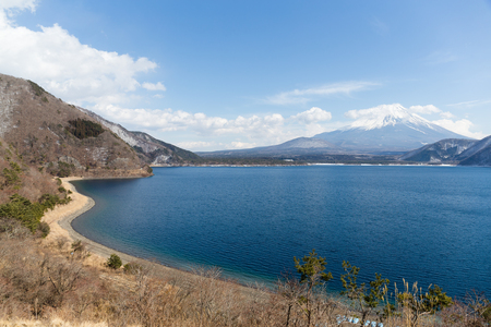 clear day in winter time: Fujisan and lake