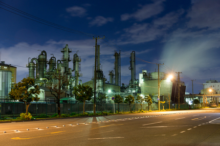 natural gas prices: Oil refinery plant at night