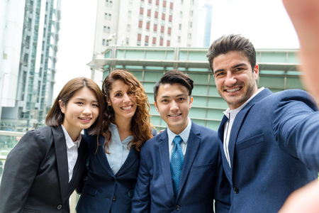 manager team: Group of business people take photo together