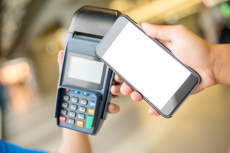 nfc: Customer pay by mobile phone with NFC technology